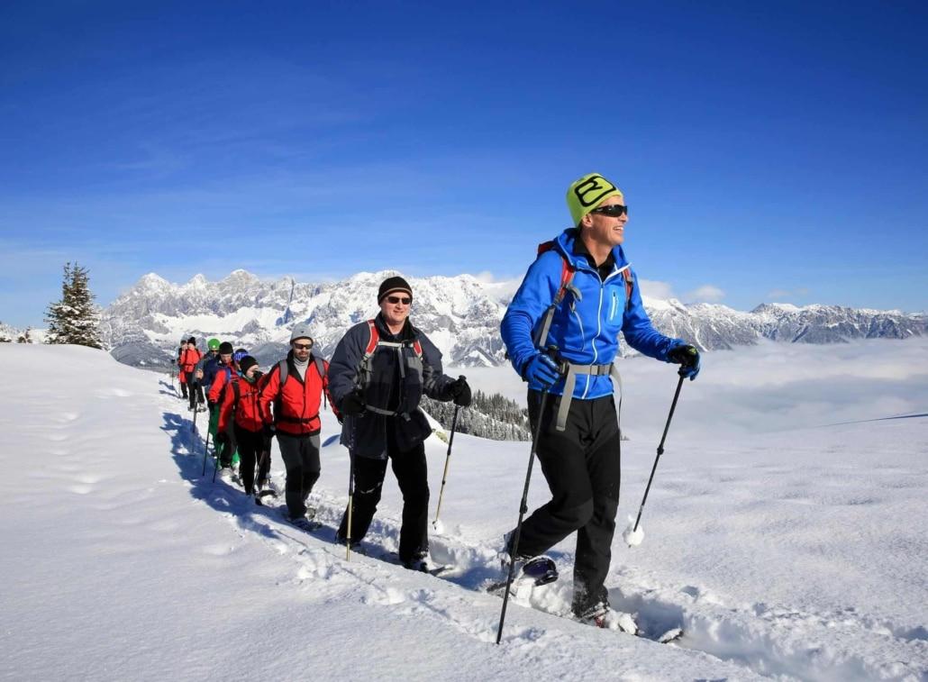 Schneeschuhwandern auf dem Rossfeld in der Urlaubsregion Schladming-Dachstein