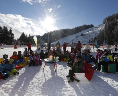 Die ersten Schritte auf Skiern erlernen auf Kalis Erlebnispisten in der Skiregion Ramsau