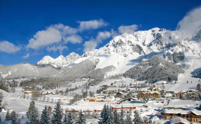 Surrounded by the beautiful winter landscape - Hotel Matschner