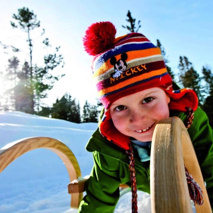 Winter Spaß beim Schlittenfahren