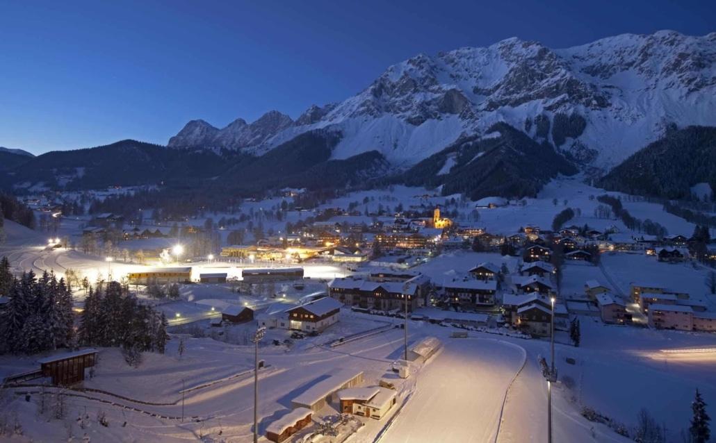 Hotel Matschner-winterliche Abendstimmung in Ramsau Ort