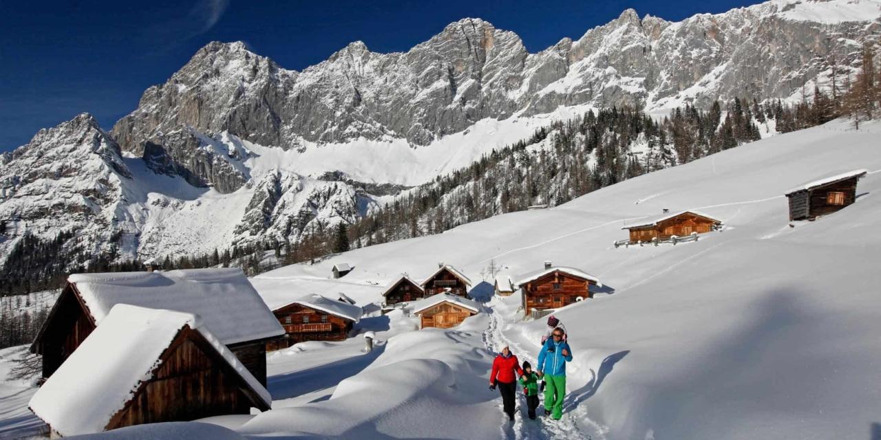 Ramsau am Dachstein Winterwandern mit der Familie Neustattalm